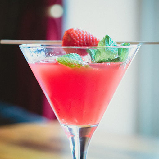 Strawberry cosmopolitan recipe bevvy strawberry cosmopolitan sisterspd